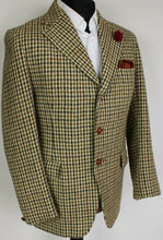 Load image into Gallery viewer, Harris Tweed Jacket Blazer Hunting Shooting 38R VINTAGE 1970's DUNN & CO 3876