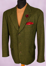 Load image into Gallery viewer, Tweed Hugo Boss Blazer Jacket Green Lambswool 44R AMAZING COLOUR FABRIC 3159