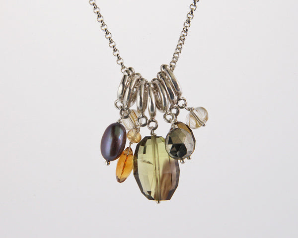 Naja Necklace with Gemstone and Pearl Cluster