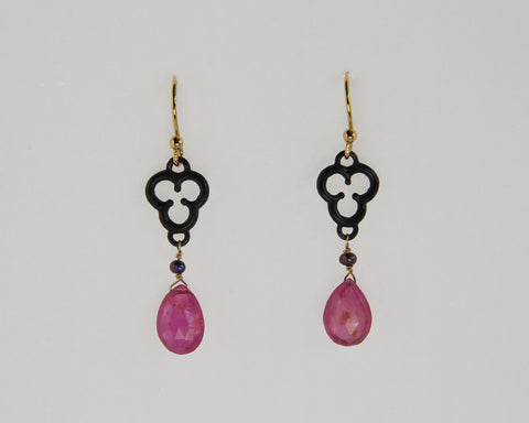 Trefoil Earring with Sapphire Briolette