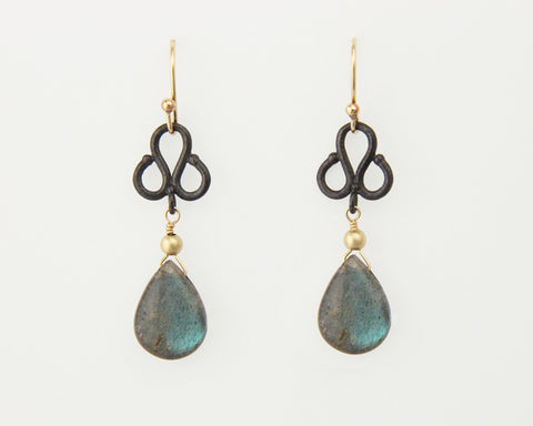Clover Earrings in Oxidized Silver with Labradorite Teardrops