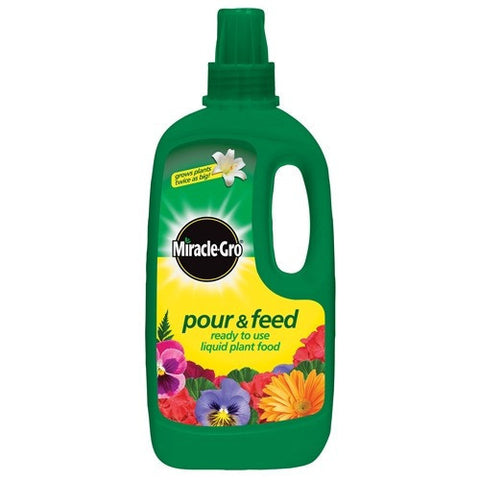 Miracle-Gro Pour & Feed (1ltr)