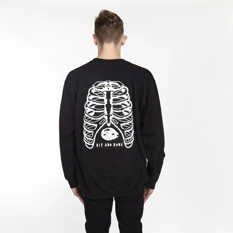 HEARTED HANDS PULLOVER HOODIE BLACK