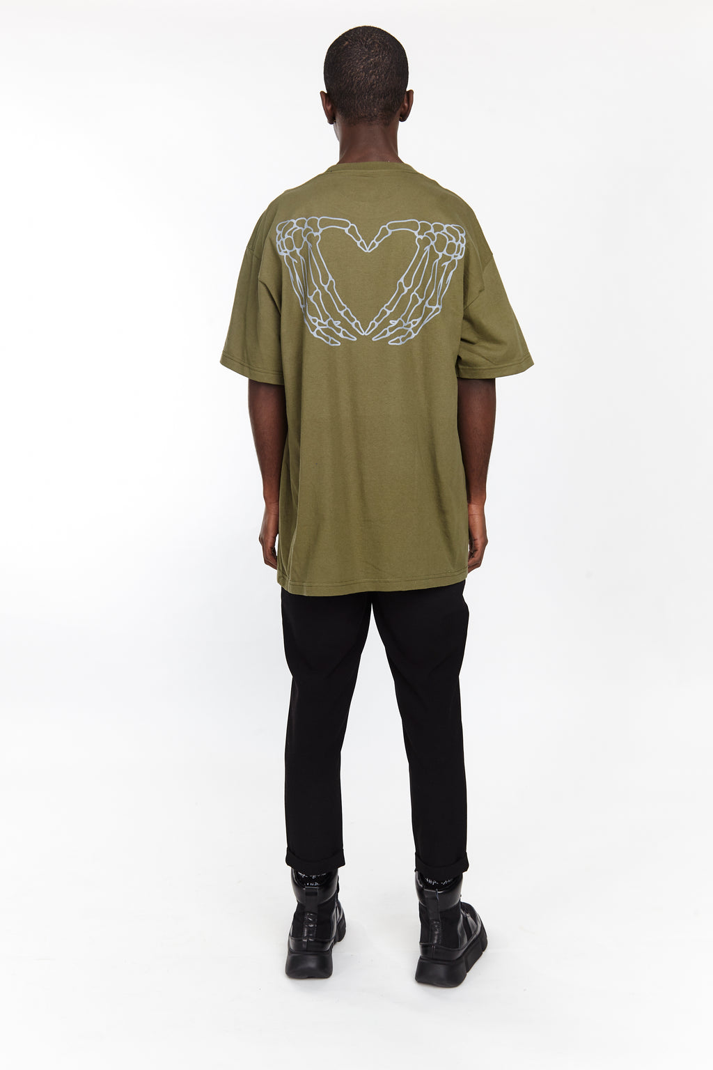 HEARTED HANDS TEE MILITARY GREEN