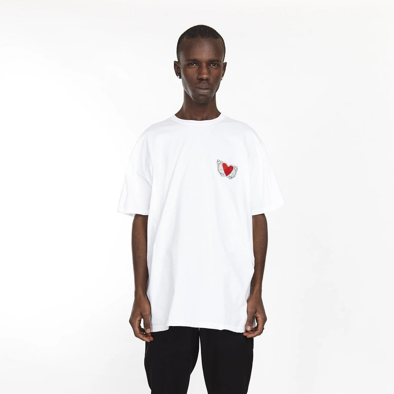 HEARTED HANDS TEE WHITE - HIP AND BONE