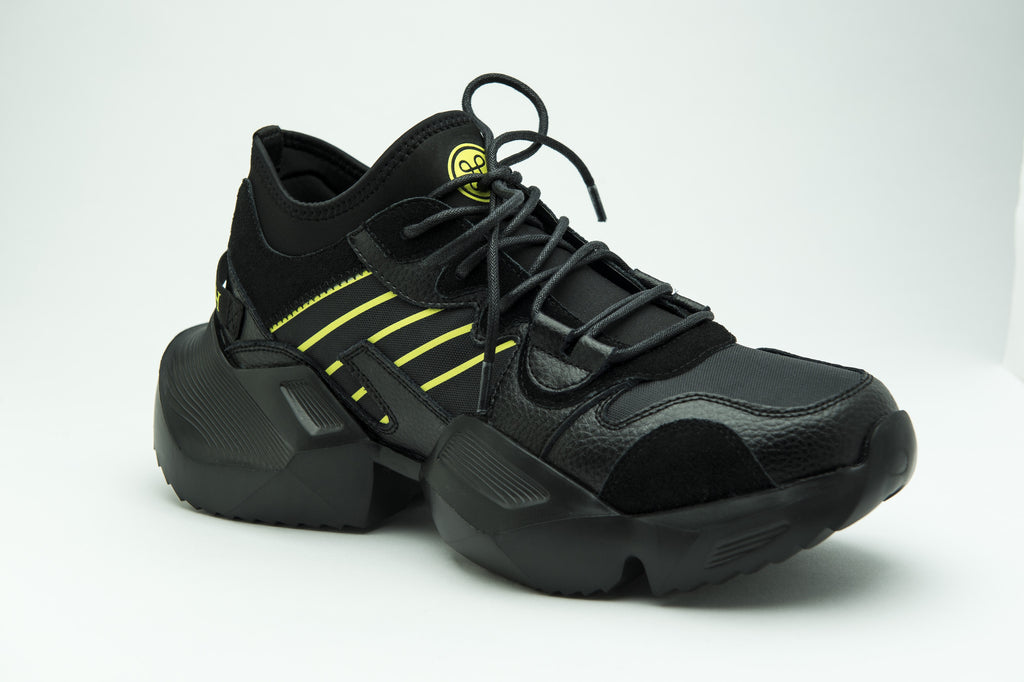 WAVE RUNNER TRIPLE BLACK - HIP AND BONE
