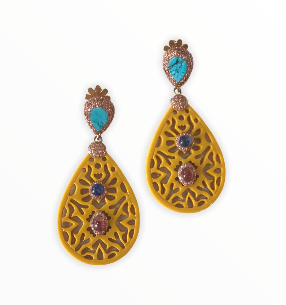 Mustard Carved Earring