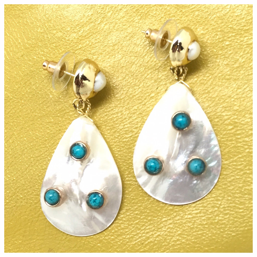 Turquoise Studded Mother Of Pearl Earring