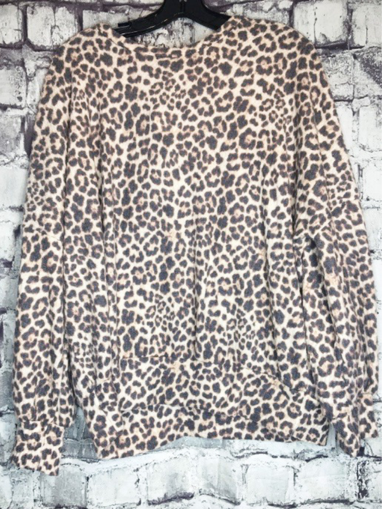 leopard print tunic shirt blouse sweater fall fashion | shop women's clothing clothes apparel accessories jewelry and gifts online or in store at boerne pixie boutique | a favorite of locals and san antonio visitors too