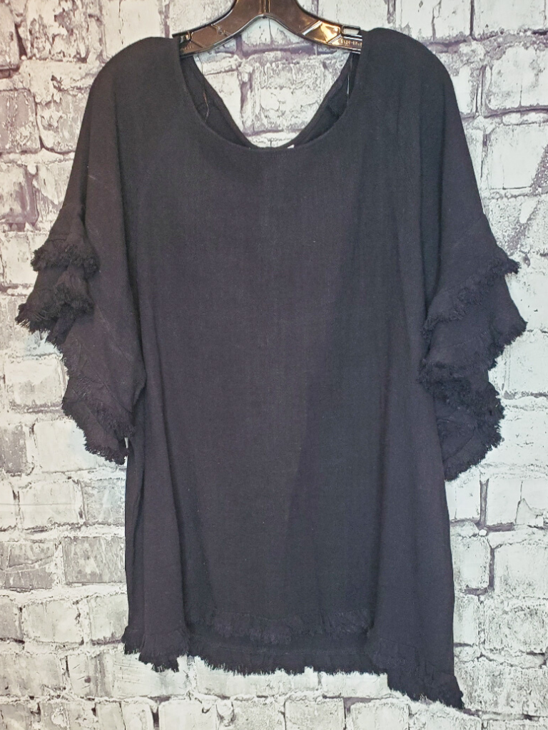 linen top shirt blouse frayed edge ruffle sleeves women's clothing apparel clothes shop boerne pixie boutique online or in store san antonio texas hill country