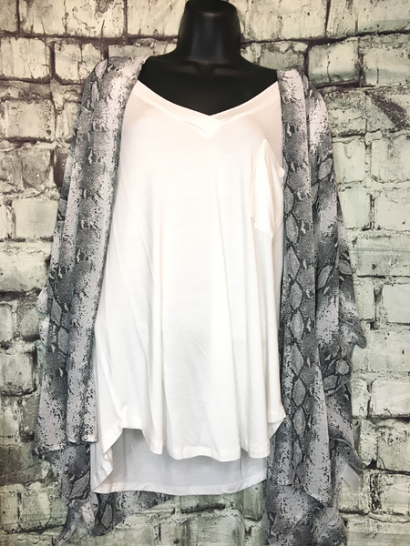 shop women's and girls' clothing clothes apparel gifts accessories jewelry online or in store at boerne pixie boutique | a favorite of locals and san antonio visitors too | best boerne boutiques | snake kimono