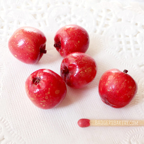 APPLE miniature - doll food for BJD, msd, sd, dollhouse - red, green or yellow - fake fruit prop