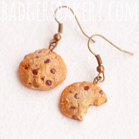 chocolate chip cookie earrings with bite
