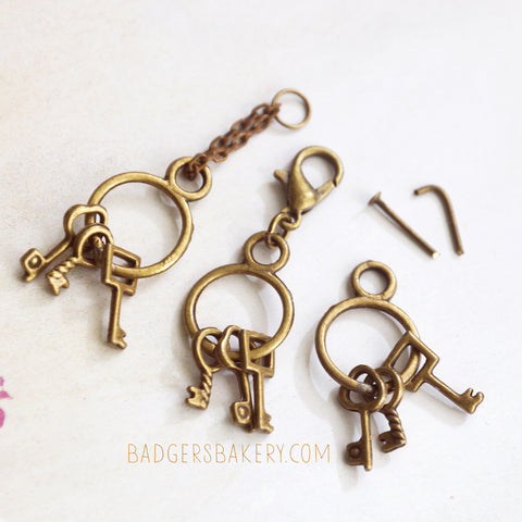 Doll KEYRING, Miniature Keys for 1/6 Scale Dolls, Blythe, BJD, 1/12 Scale Dollhouse Antique Keychain