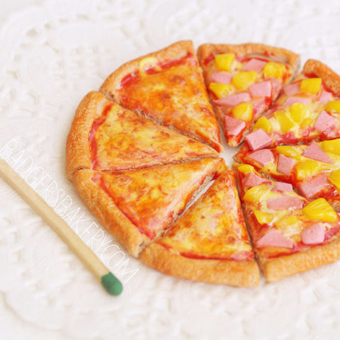 1/6 scale miniature pizza, margherita, pineapple