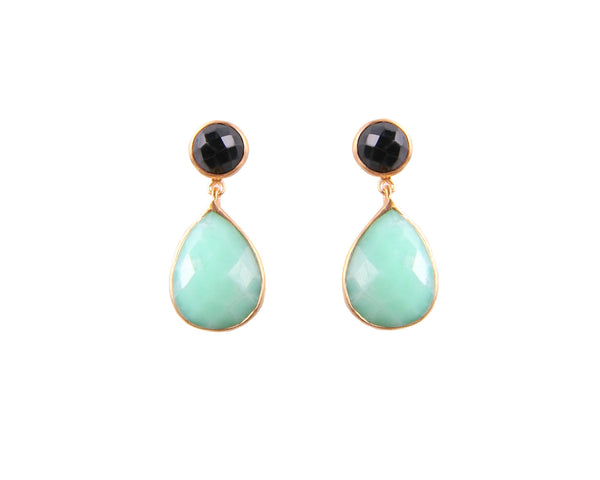 Green Chrysoprase and Black Onyx Earrings in Yellow Gold
