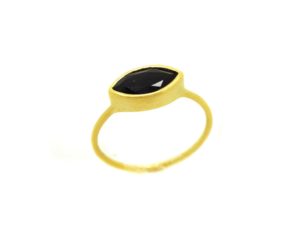 Willow Onyx Ring