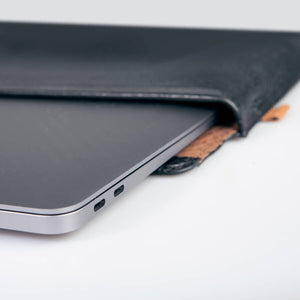 MacBook  Pro Touch Bar 13 Leather Sleeve