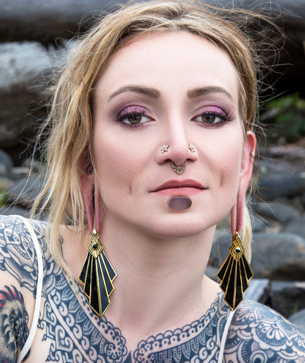 Model wearing Goldendaze Septum Ring
