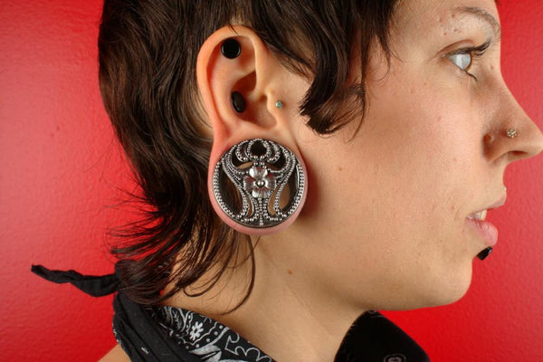 Model in Paramour Plugs