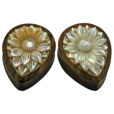 Lotus Flower Mother of Pearl Plug