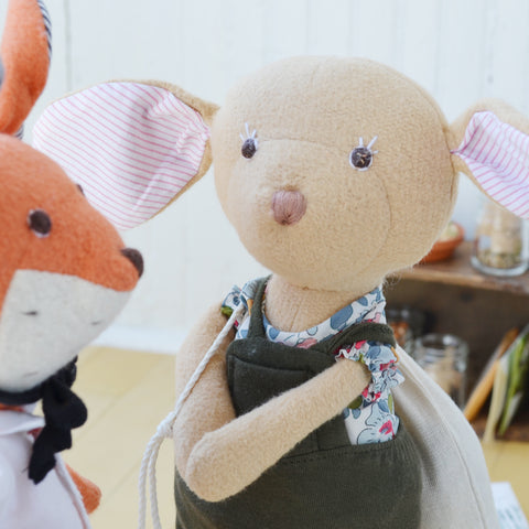Reginald Fox and Annicke Mouse