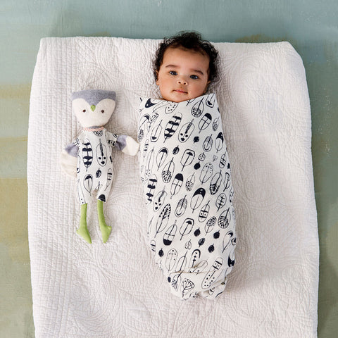 Feathers Swaddle Matching Outfit Bundle