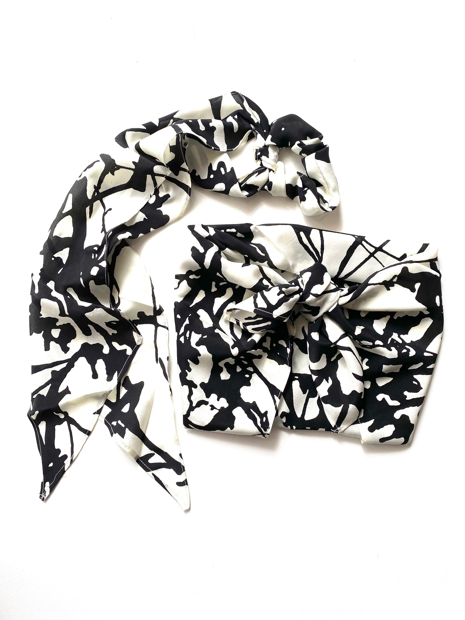 The Neptune Bandana Top & Ribbon Scrunchie Set - Black & White Abstract