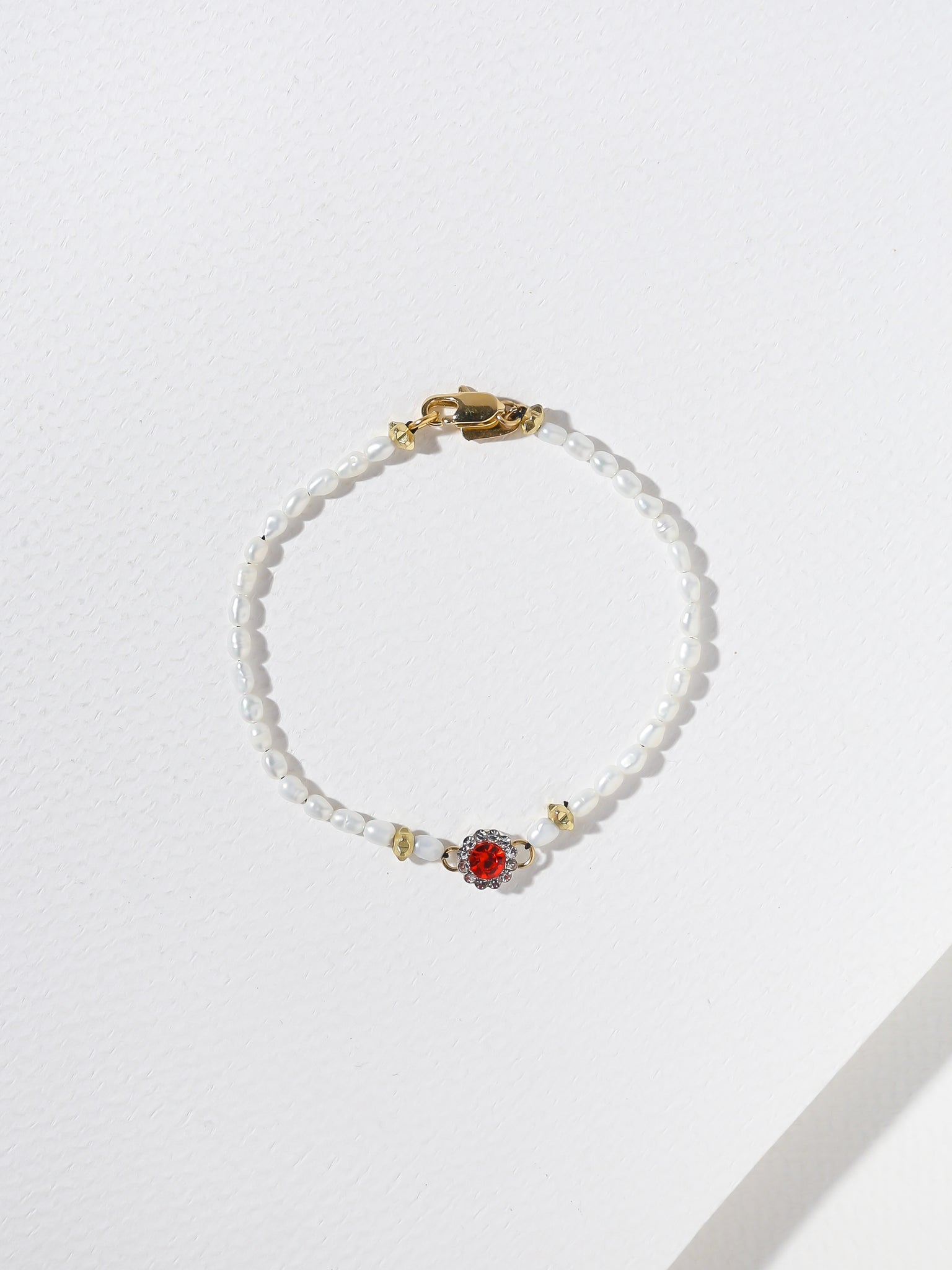 Sale Items The Poppy Pearl Bracelet Vanessa Mooney