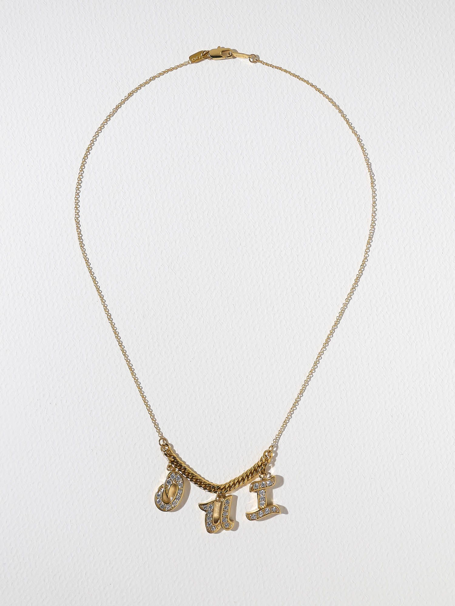 The Oui Necklace