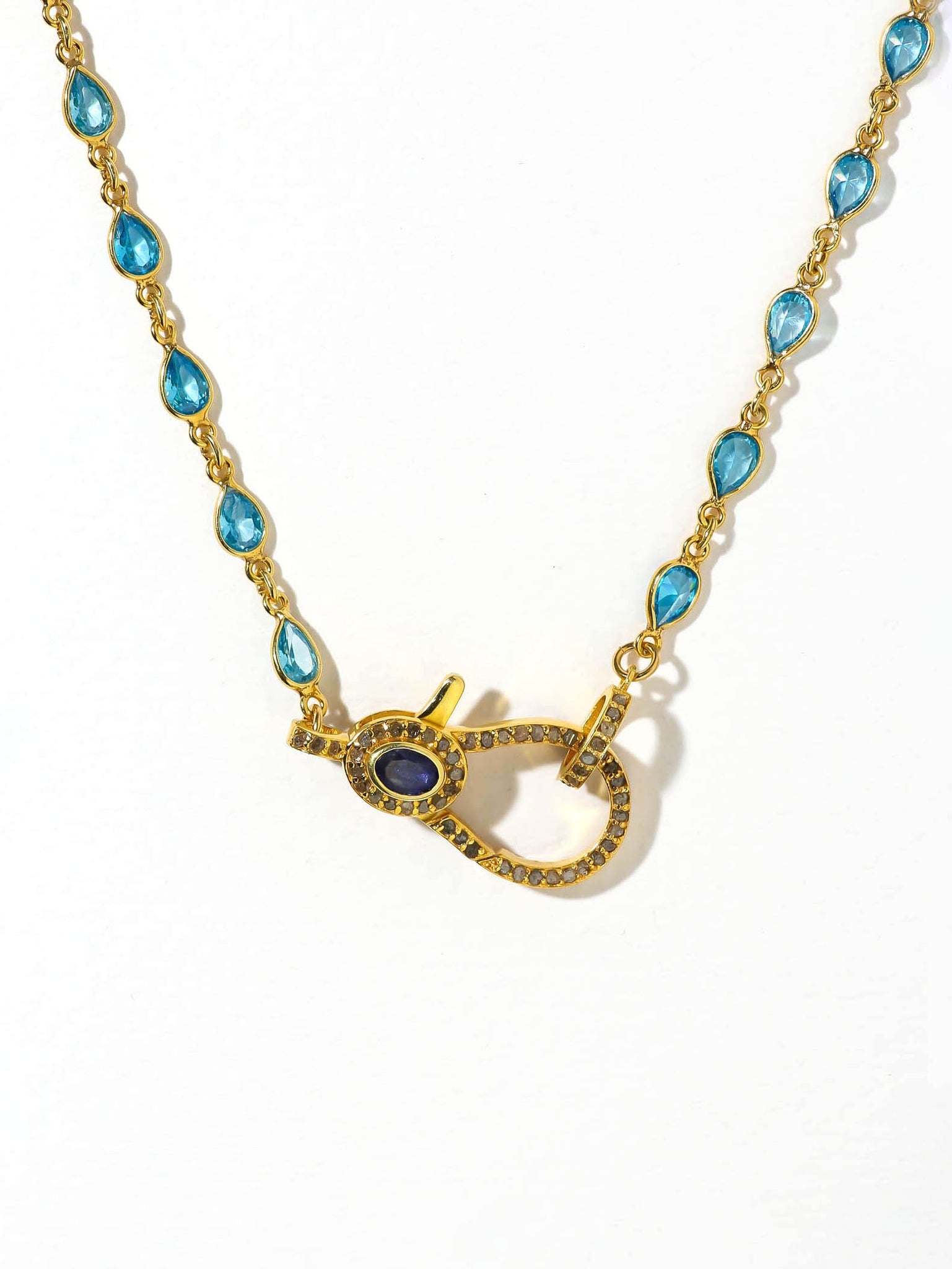 Necklaces The Quila Clasp Necklace Vanessa Mooney