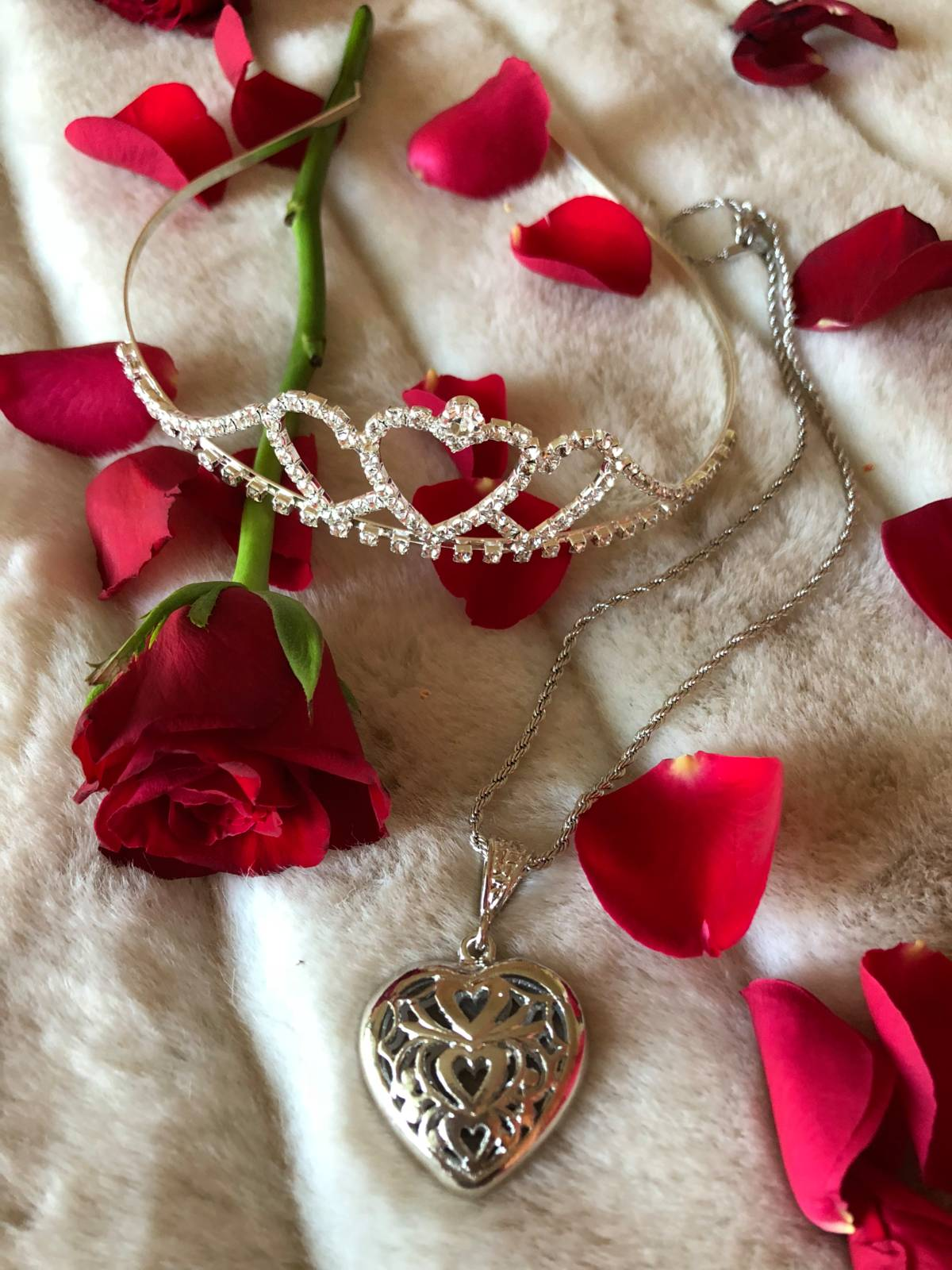 The Lace Heart Necklace Silver