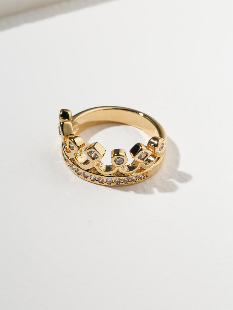 The Unisex Crown Ring