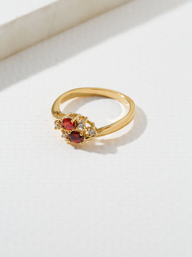 The Triumph Birthstone Ring Garnet