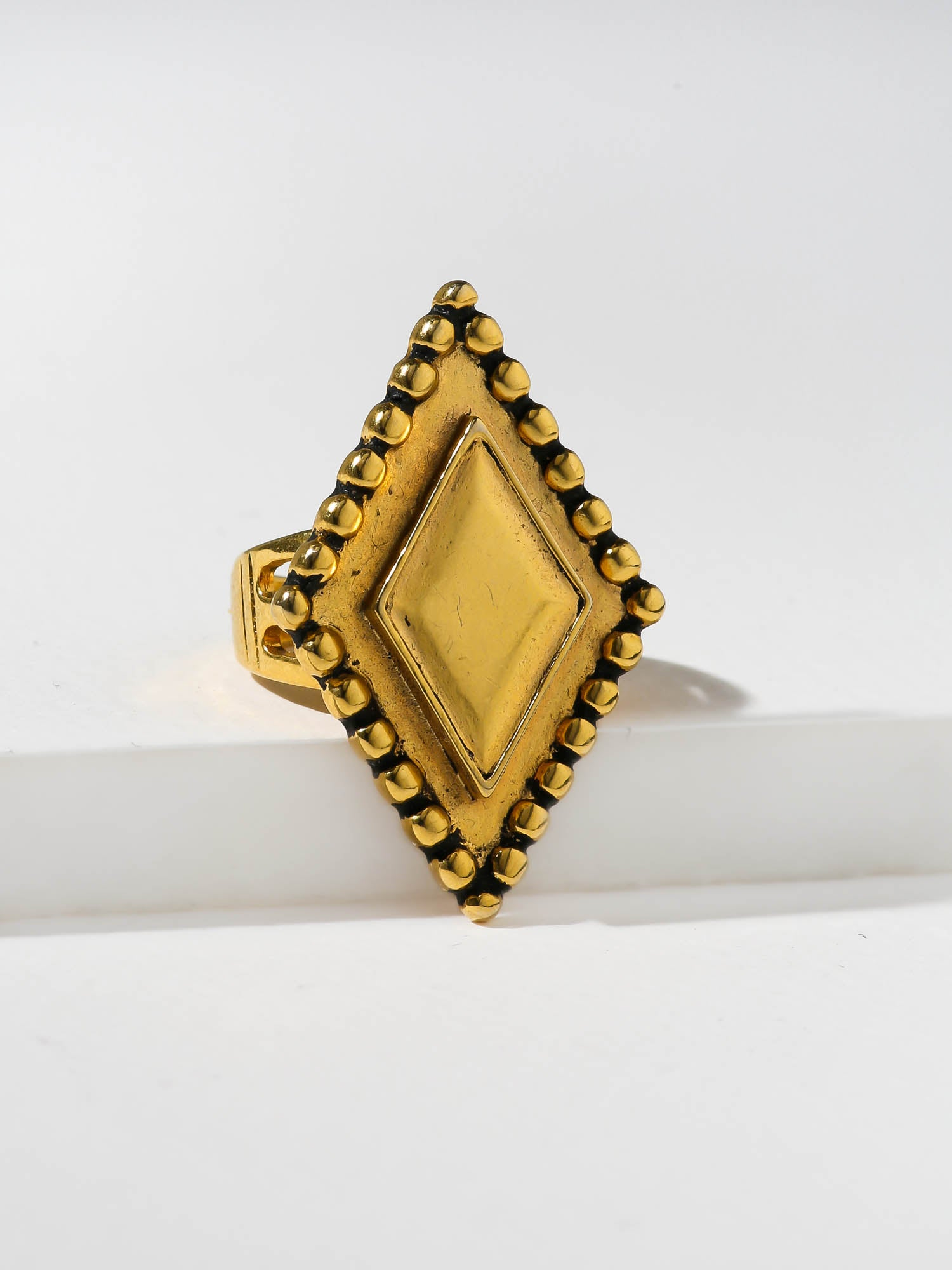 The Zenia Ring