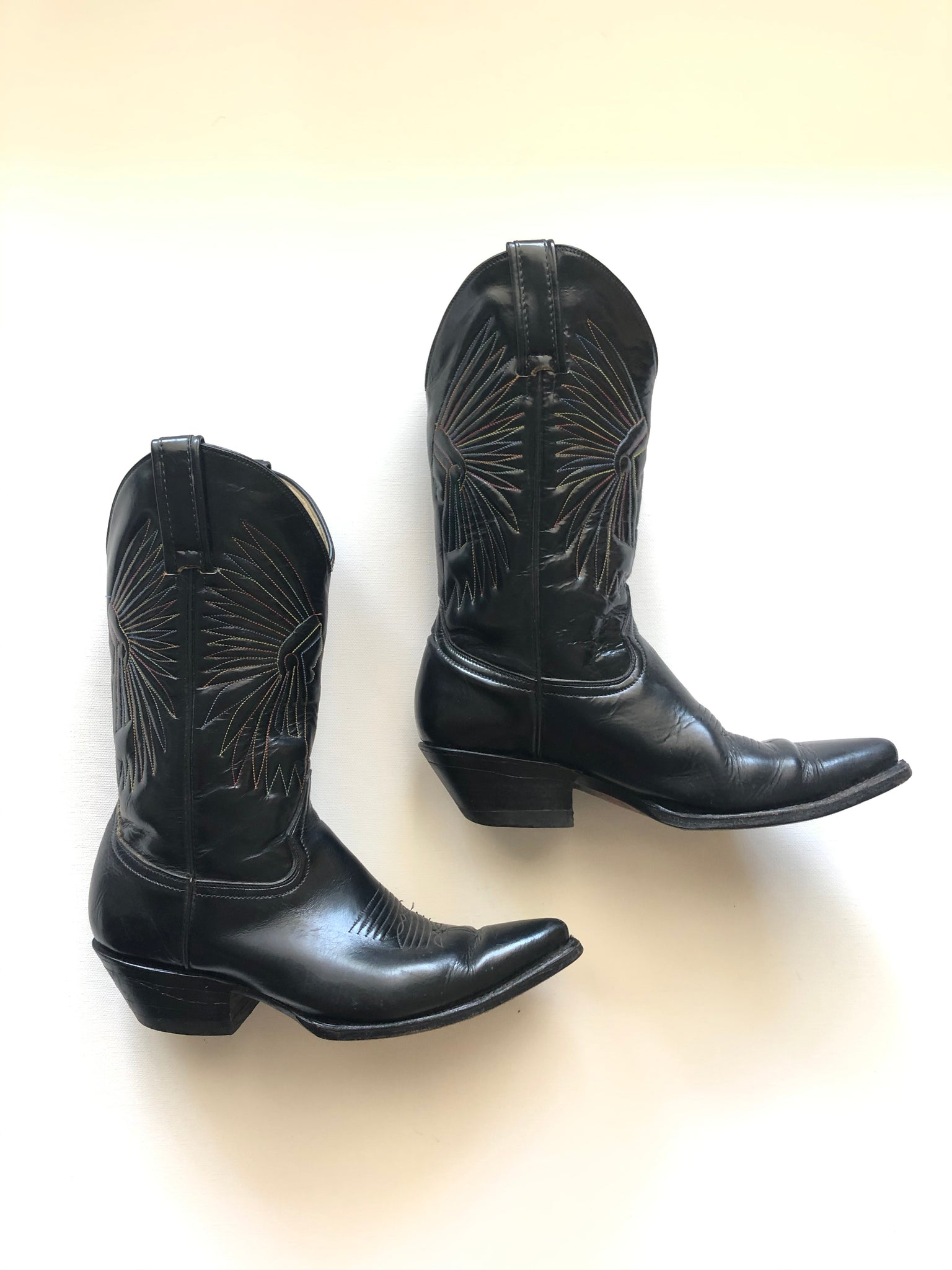 Vintage Western Boots - Embroidered Black