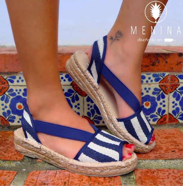 Mare shoe in navy