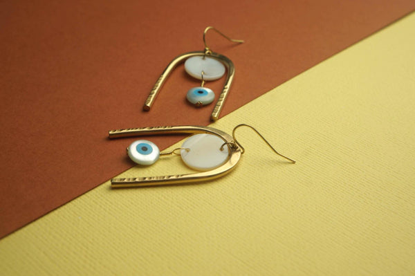 Ojitos earrings