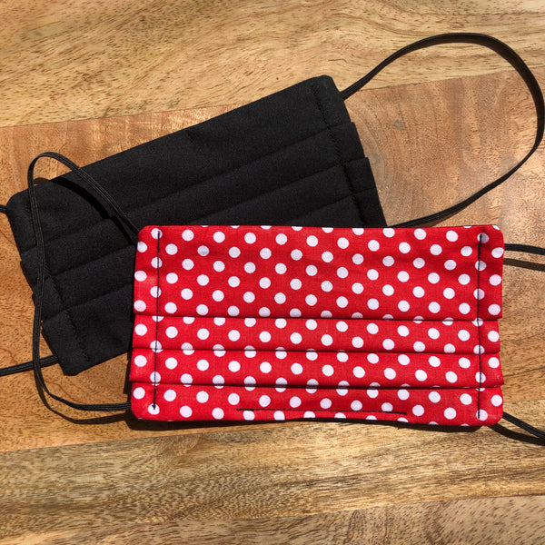 Reversible black & red polka dots mask