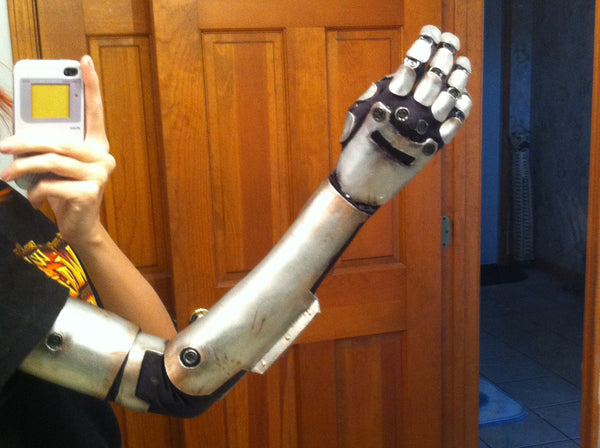 Buld Gaige's Robo Arm w/ Craft Foam!