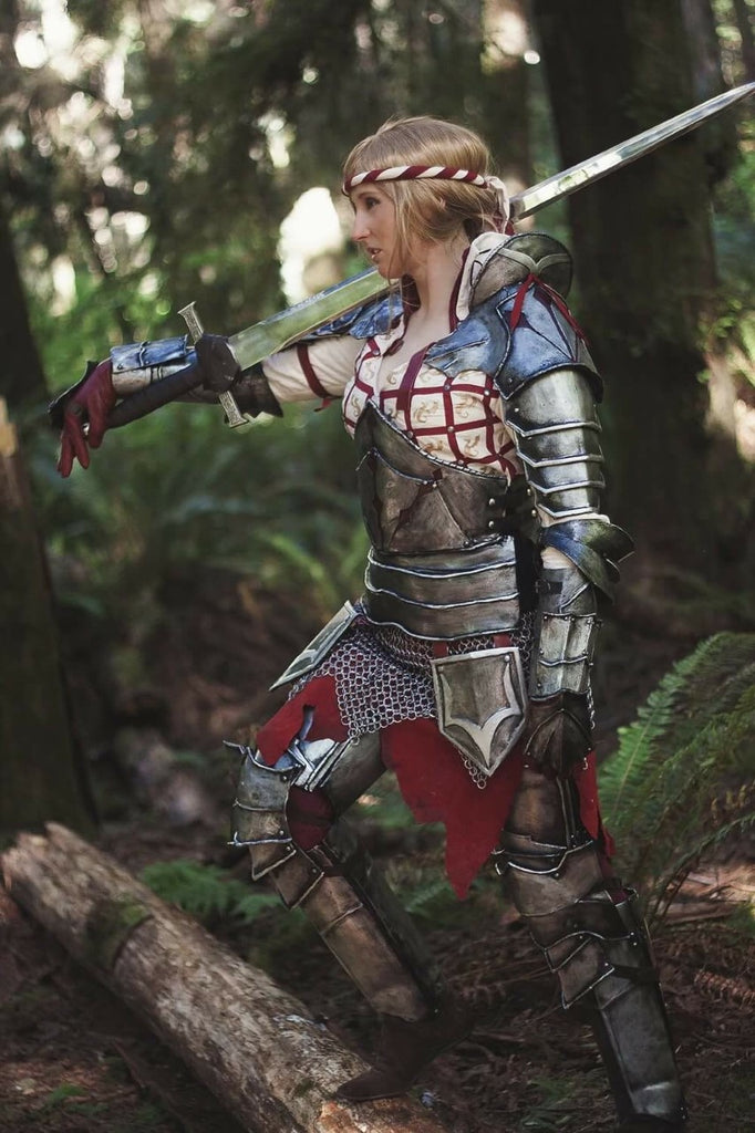 KeiraSera Cosplay as Saskia from Witcher 2