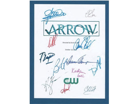 Arrow Pilot Episode TV Script Signed Autographs: Stephen Amell, Katie Cassidy, Colin Connell, David Ramsey, Willa Holland, Susanna Thompson