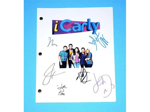 "iCarly ""iOMG"" Episode TV Script Autographed: Miranda Cosgrove, Jeanette McCurdy, Nathan Kress, Jerry Trainor, Noah Munc, Justin Prentice"