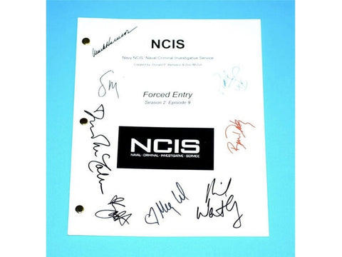 "NCIS ""Forced Entry"" Episode TV Script Autographed Mark Harmonn, Sasha Alexander, Michael Weatherly, Pauley Perrette, Sean Murray, Megan Ward"