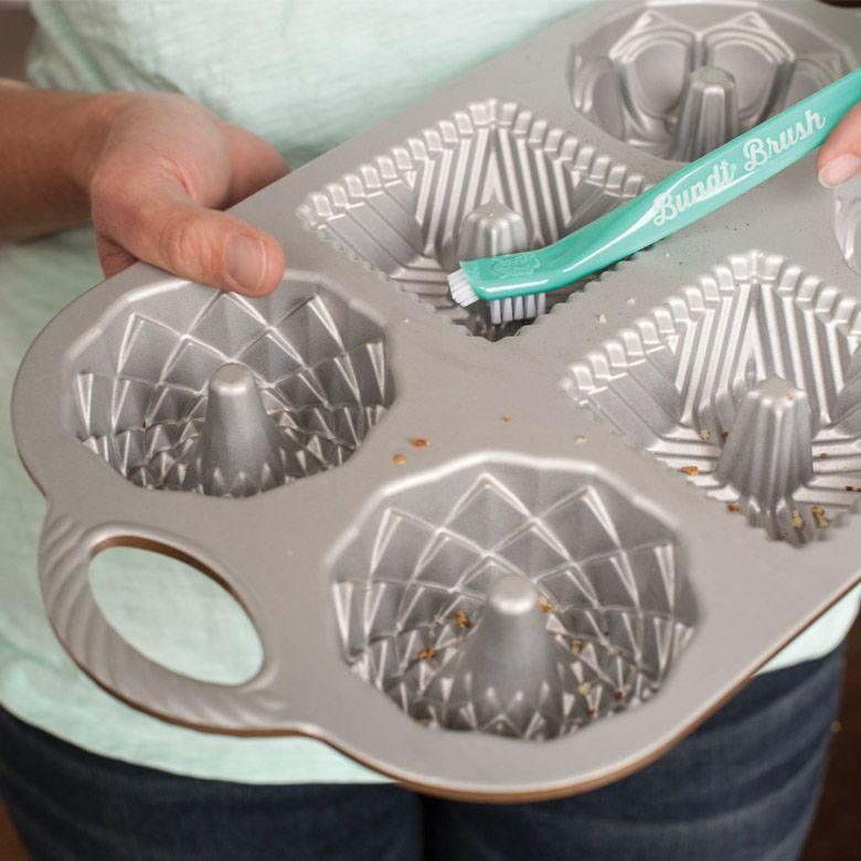 Ultimate Bundt Cleaning Tool