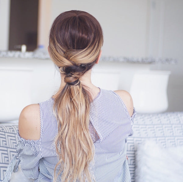 textured low ponytail
