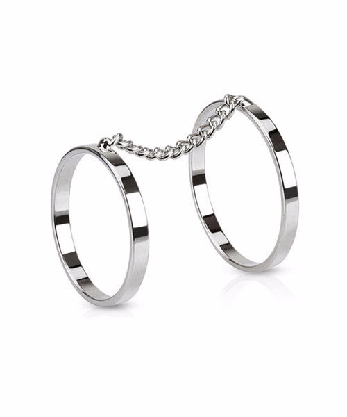 The Chained Ring in Silver