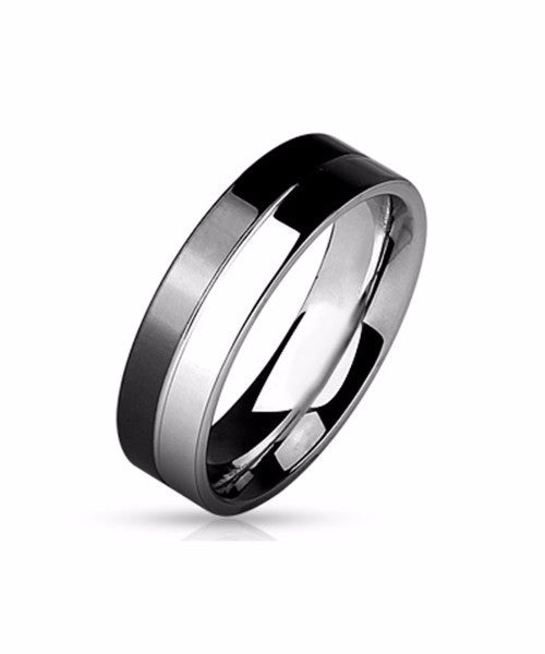 The Level Ring in Black