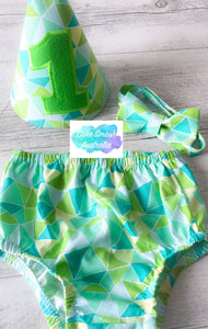 Baby Cake Smash / First Birthday Outfit / Triangles Green