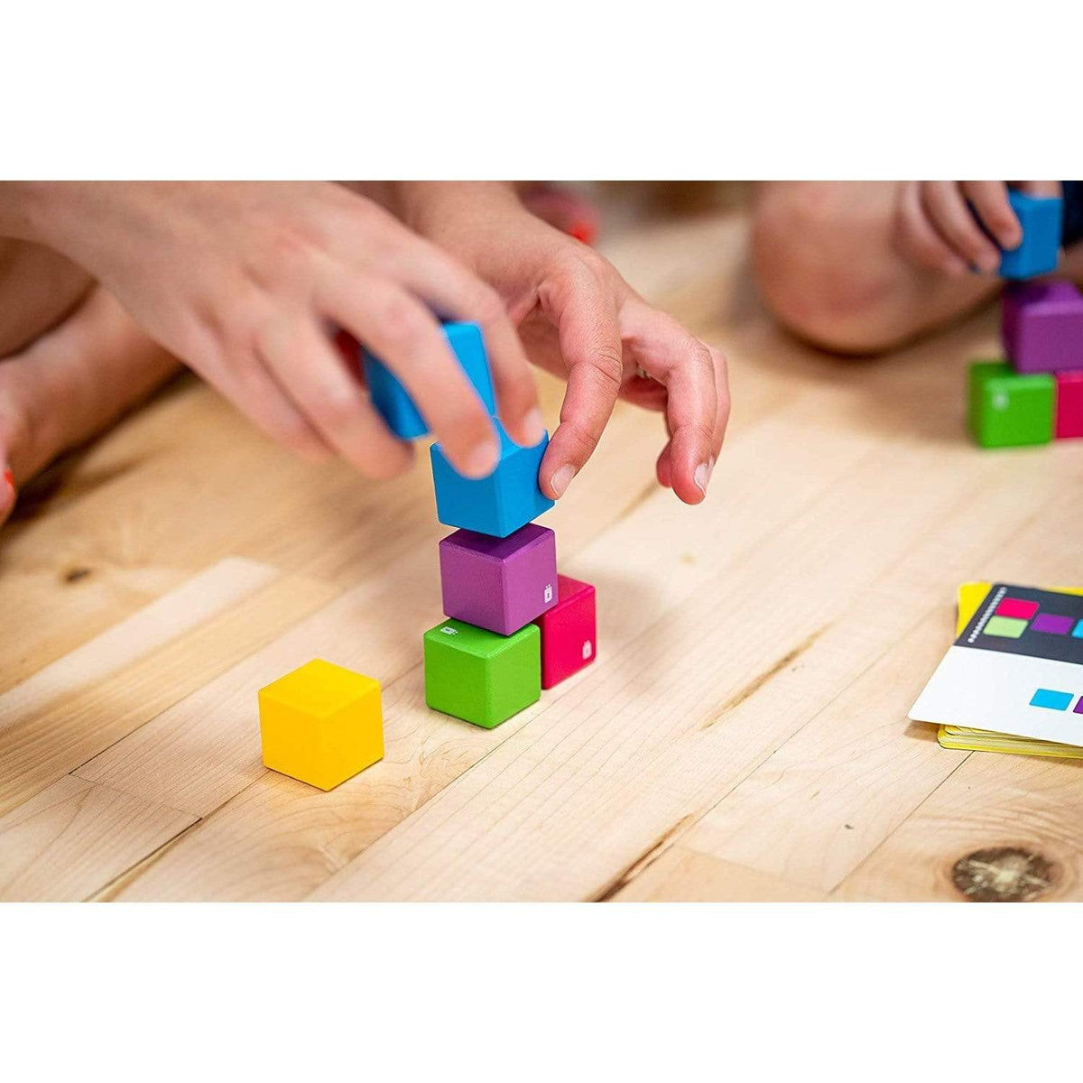 Bllöx Stacking Race Mobi Games Inc. Board Games